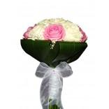 Buchet mireasa trandafiri albi si roz